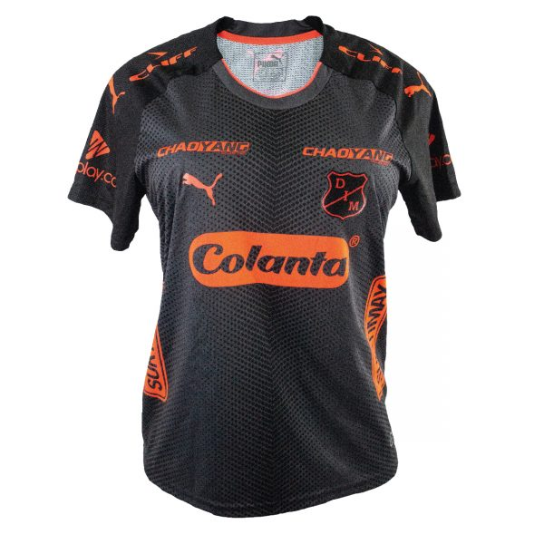 Competencia mujer away